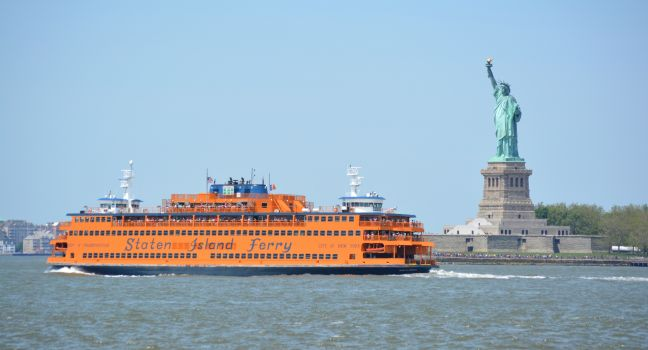staten-island-ferry-statue-of-libery-new-york-harbour-financial-district-new-york-city-new-york-usa-north-america_main.jpg
